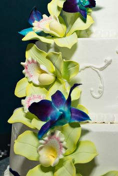 Tropical Wedding Cake - Downtown Tampa Florida Aquarium Wedding - Peacock Blue & Green Tropical Wedding - Captured Images by Augie