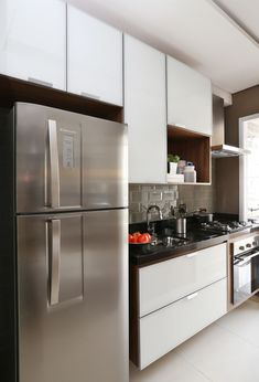 So, to eat balanced, including in the office, you bring home-cooked meals. Kitchen Room Design, Home Decor Kitchen, Kitchen Interior, Kitchen Cupboards, Kitchen Pantry, Kitchen Appliances, Mini Kitchen, Sweet Home, New Homes