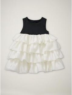 Contrast tiered baby dress from Gap. Tula has this! with tags never worn size 6 months! :( who wants it:( so beautiful! cream ivory and black...
