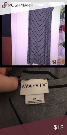 Ava & Viv Maxi Skirt, size 2x Gray Maxi skirt with black chevron stripes. 42 inches long. Elastic waist. EUC - only worn a few times. Can be dressed up or down and transitions well between seasons! Ava & Viv Skirts Maxi
