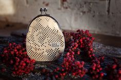 Risako purce is made of recycled lace.