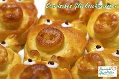 Glücksschweinchen für Silvester Onion Rings, Doughnut, Baked Potato, Sausage, Food And Drink, Meat, Baking, Ethnic Recipes, Desserts