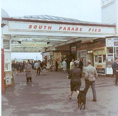 South Parade Pier in Southsea, Portsmouth, 1967 - I was 3 years old Portsmouth City, Portsmouth England, Old Pictures, Old Photos, The Old Days, Isle Of Wight, Royal Navy, Back In The Day, Hampshire