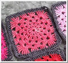 Free crochet pattern! :) http://www.ravelry.com/patterns/library/granny-wheel-square