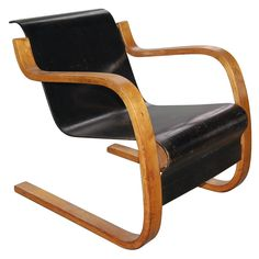1stdibs.com | Cantilever lounge chair by Alvar Aalto