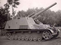 Panzerhaubitze auf Geschützwagen III und IV (Sf.)   Hummel  150 mm  (Sd.Kfz. 165)