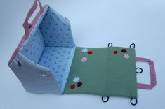 Cute dollhouse purse. Blog has tutorial on how to make it. Think barn for boys.