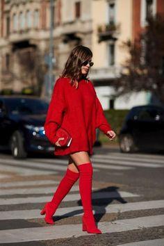 On the street at Milan Fashion Week. Photo: Imaxtree On the street at Milan Fashion Week. Milan Fashion Week Street Style, Looks Street Style, Spring Street Style, Milan Fashion Weeks, Cool Street Fashion, Look Fashion, Winter Fashion, Fashion Spring, Red Street