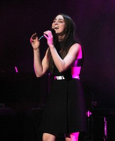 """Sara Bareilles' Cover of Sia's """"Chandelier"""" Will Make You Obsessed With the Song Again  — VIDEO"""