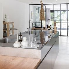 Kitchen inspo today #binnenkijken #wooninspiratie #keukeninspiratie #keukendesign #rvskeuken #housetour #instawonen #homeinteriorstyling…