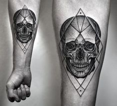 Dotwork skull by Kamil Czapiga