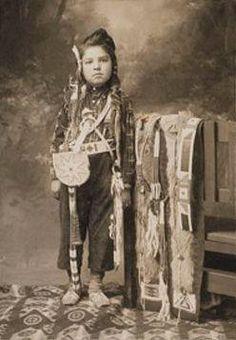 Niño Nez Perce boy