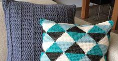 Het patroon  Benodigdheden  Scheepjes Stone Washed XL, kleur nummers, 841, 843, 853, 855, van elk 1. Nr, 841 en 853 dienen gesplitst te w... Tunisian Crochet, Throw Pillows, Quilts, Blanket, Fabric, Inspiration, Home Decor, Tejido, Biblical Inspiration
