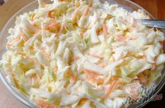 de The post Incredibly good coleslaw appeared first on Food Monster. Water Recipes, Raw Food Recipes, Seafood Recipes, Snack Recipes, Healthy Recipes, Easy Recipes, Easy Smoothie Recipes, Easy Smoothies, Coleslaw Salad
