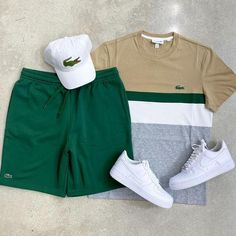 Suit With Jeans, Dope Outfits For Guys, Nike Outfits For Men, Hype Clothing, Short Suit, Mode Streetwear, Green Fashion, Striped Shorts, Men's T Shirts