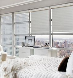 Simple and Creative Ideas Can Change Your Life: Cheap Blinds Ideas shutter blinds bay window.Fabric Blinds For Windows bedroom blinds ideas.Outdoor Blinds For Porch. Indoor Blinds, Patio Blinds, Diy Blinds, Bamboo Blinds, Fabric Blinds, Curtains With Blinds, Valance, Blinds Ideas, Living Room Blinds