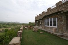 Devra Homestay, Udaipur, India: With a location this unique, overlooking the luscious Udaipur countryside in western ...