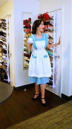 Vintage 1950s Dresses, Vintage Outfits, 1940s Fashion, Vintage Fashion, Disney Makeup, Disney Crossovers, Vintage Disney, Rapunzel, Vintage Looks