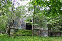 Hancock NY mausoleum by rchrdcnnnghm, via Flickr