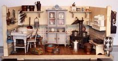 Jugendstil- Puppenküche, Möbel: Spielzeugfabrik Gemla, Schweden um 1910