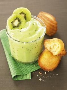 Recette Confiture banane-kiwi, notre recette Confiture banane-kiwi - aufeminin.com Delicious Desserts, Dessert Recipes, Yummy Food, Salsa Dulce, Healthy Diet Recipes, Fruit And Veg, Marzipan, Sweet And Spicy, I Love Food
