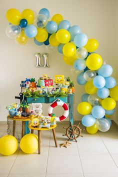 Mesa simples e linda para festa Bob esponja - tema serve tanto pra menino como menina !