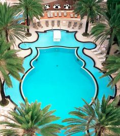 "Be ""scene"" at this Deco cool pool. #Miami"