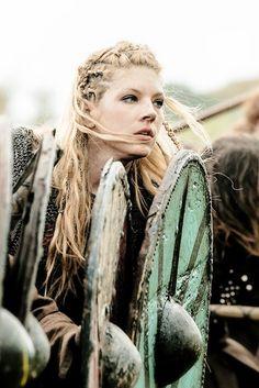 Katheryn Winnick ✾ as Lagertha – Norse Mythology-Vikings-Tattoo Vikings Tv Series, Vikings Tv Show, Viking Warrior, Viking Age, Viking Queen, Odin Thor, Lagertha Lothbrok, Perez Garcia, Tatoo