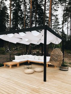 The outdoor pergolas are quite popular these days. Everyone wants to create a place where they could relax and recharge themselves and outdoor pergolas are perfect place to do it. Always staying inside the concrete walls would be mono Outdoor Pergola, Backyard Patio, Outdoor Spaces, Outdoor Decor, Outside Living, Outdoor Living, Pergola Designs, Beautiful Gardens, Outdoor Gardens