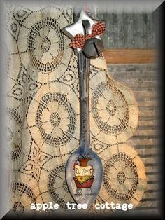 RESERVED WITH PLEASURE FOR LYANA121 - pRiM grAniTe sPooN wiTh viNtAgE cOOkiE cUttER