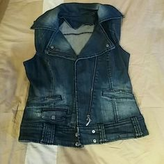 Thick warm denim vest great quality Bought in Paris worn once... Thick denim material....dark blue. Other