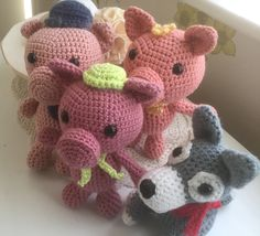 Three little pigs and the Big bad Wolf - crocheted by Jan www.sewcraftyuk.co.uk