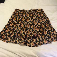 Show me your mumu skater skirt Worn a few times great condition! Show Me Your MuMu Skirts Mini