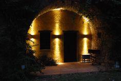Zewnętrzne oświetlenie w stylu śródziemnomorskim https://www.homify.pl/katalogi-inspiracji/10006/zewnetrzne-oswietlenie-domu