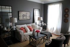 graues Wohnzimmer Ideen Spiegel Beistelltisch
