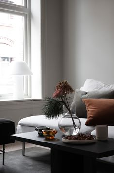 Some Tips, Tricks, And Techniques For Your Perfect handmade home decor Modern Room Decor, Stylish Home Decor, Handmade Home Decor, Cheap Home Decor, Living Room Interior, Living Room Decor, Living Spaces, Interior Exterior, Home Interior