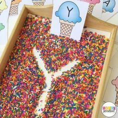 Ice Cream & Sprinkles Alphabet Writing Practice Free printable ice cream alphabet cards for this super simple writing tray filled with sprinkles! Practice pre-writing and fine motor skills. Kindergarten Literacy, Preschool Classroom, Preschool Learning, Writing Center Preschool, Classroom Decor, Letter Activities, Literacy Activities, Phonological Awareness Activities, Dementia Activities