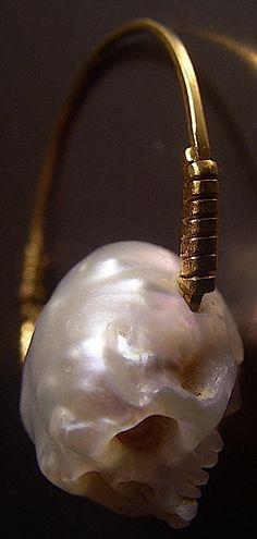 Shinji Nakaba, carved pearl , steel. VANITAS RING  2012