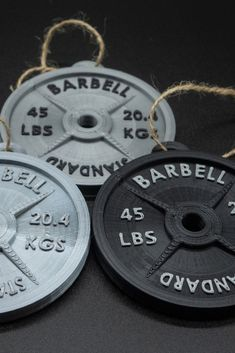 Deck the halls with our Printed weight plate ornament. Perfect for Christmas trees or to add a little sparkle to your cubicle. Crossfit Gifts, Crossfit Wods, Gifts For Personal Trainer, Christmas Trees, Christmas Ornaments, Christmas Gifts, Gym Decor, Fitness Gifts, Weight Lifting