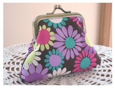 Small Kisslock Snap Coin Purse...Funky Daisy by Antiquebasketlady, $15.99