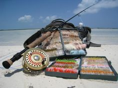 Bonefish Flies and gear. Realy want to try it. Fly Fishing Girls, Fishing Box, Fly Fishing Gear, Sea Fishing, Fishing Lures, Fishing Stuff, Fishing Tackle, Saltwater Fishing Gear, Saltwater Flies