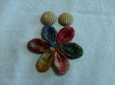 데이지 꽃만들기 과정샷~ : 네이버 블로그 Narcissus Bulbs, Pink Orchids, Diy And Crafts, Applique, Bunny, Brooch, Quilts, Sewing, Flowers