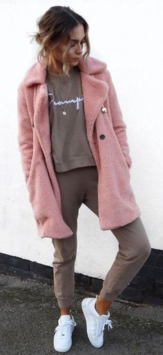 sporty casual. beige + pink.