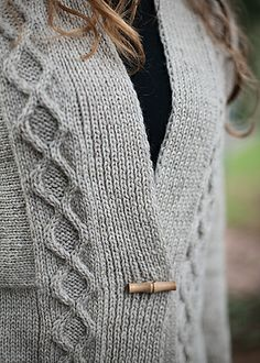 Ravelry: Tauriel pattern by Bonne Marie Burns #ChicKnits #cabledCardigan
