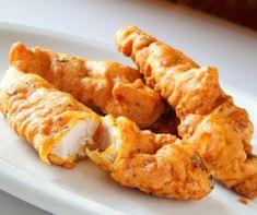 """Van pár olyan """"aduász"""" étel, amit mindenki szeret, akárhogy legyen is elkészítve. Ilyen étel például a csirkefalatka, amire legyen akár sütve, akár rántva, akár grillezve, boldogan ugrik rá az egész család. Déri Szilvi, vagyis Házisáfrány most egy mennyei, ropogós és izgalmas panírt mutat meg nektek."""