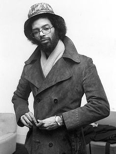 Gil Scott-Heron Soul Artists, Music Artists, Music Icon, Soul Music, Friedrich Nietzsche, Gil Scott Heron, Carl Zeiss Jena, Vintage Black Glamour, African Hairstyles