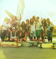Longboard Girls Crew #Longboard, these are true role models for young girls!