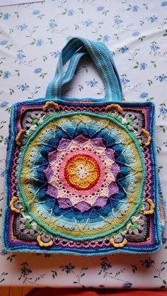 #crochet #hekling #handmade #veske #colours #madebyme #lacepetalflower #søstrenegrene #heklehilde #moro #dillapåhekling Straw Bag, Bags, Fashion, Handbags, Moda, Fashion Styles, Fashion Illustrations, Bag, Totes