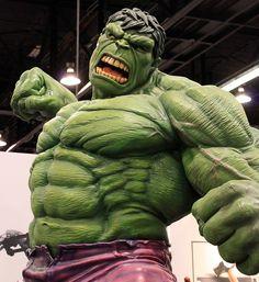 2012-Hulk Statue at Wonder Con-01 by David Cummings62, via Flickr