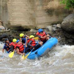Rafting por el interminable Rio naciente del Gran Chimborazo
